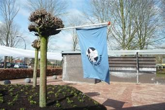 De Schansvlag hangt buiten, het is feest